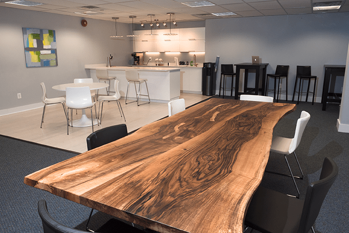 A Collaborative Meeting Space at HeadRoom's Wayne location